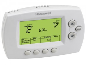 FocusPRO™ Programmable Wireless Thermostat - Honeywell TH6320R1004